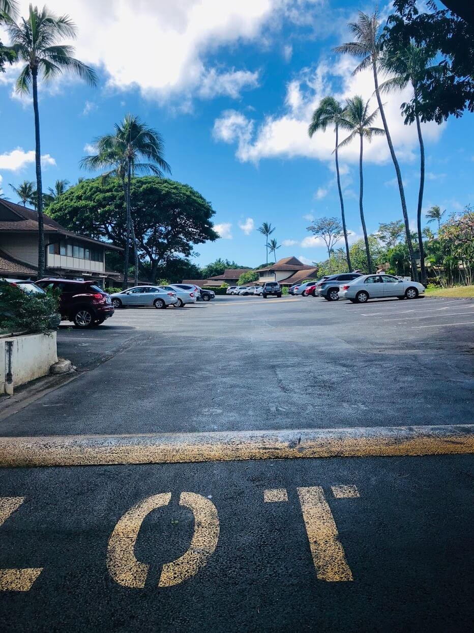 TropicGardensの駐車場