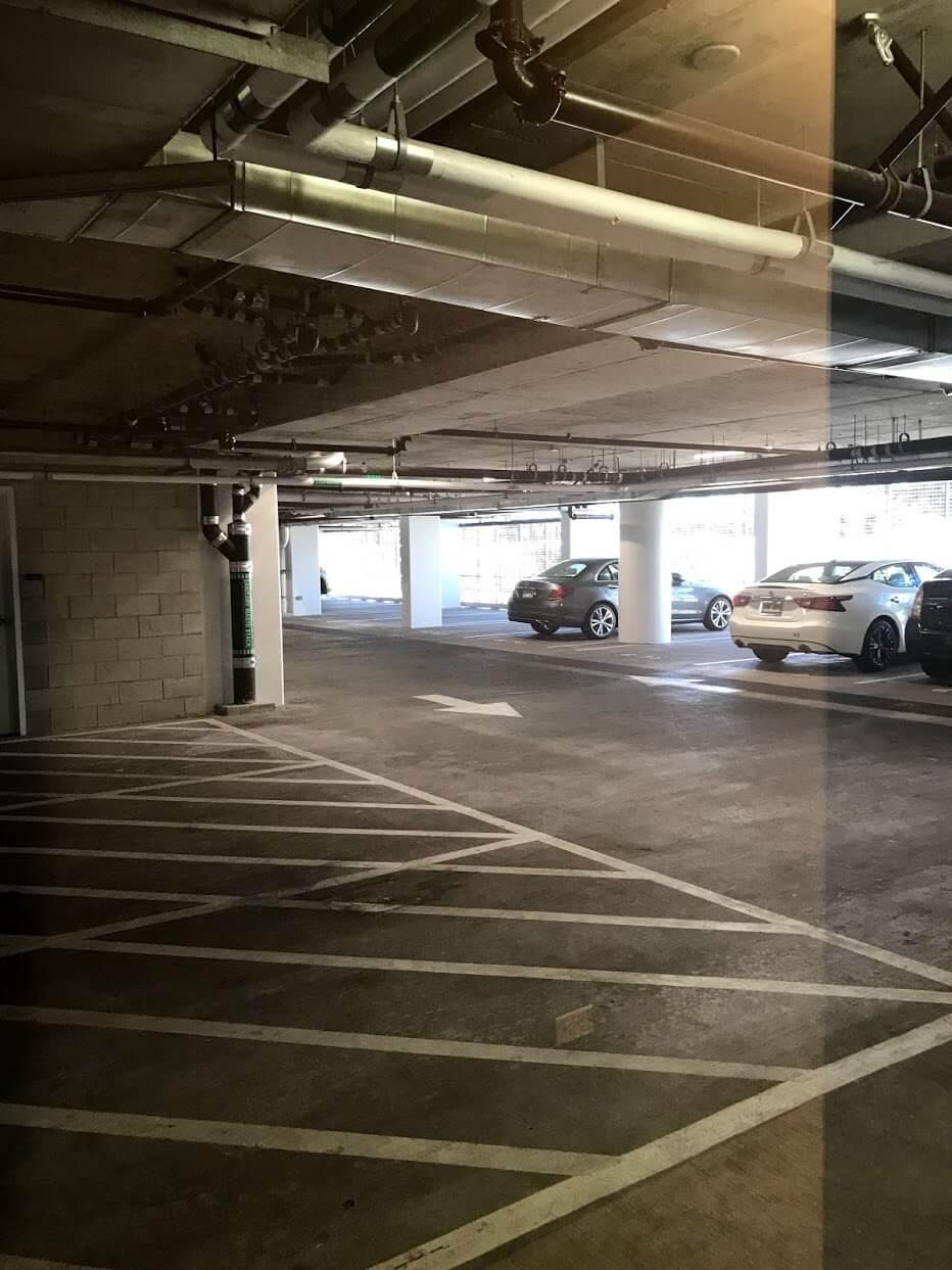 Waieaの駐車場