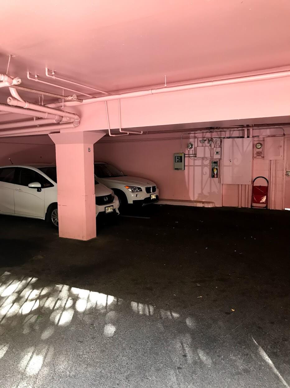 Waikiki Coveの駐車場