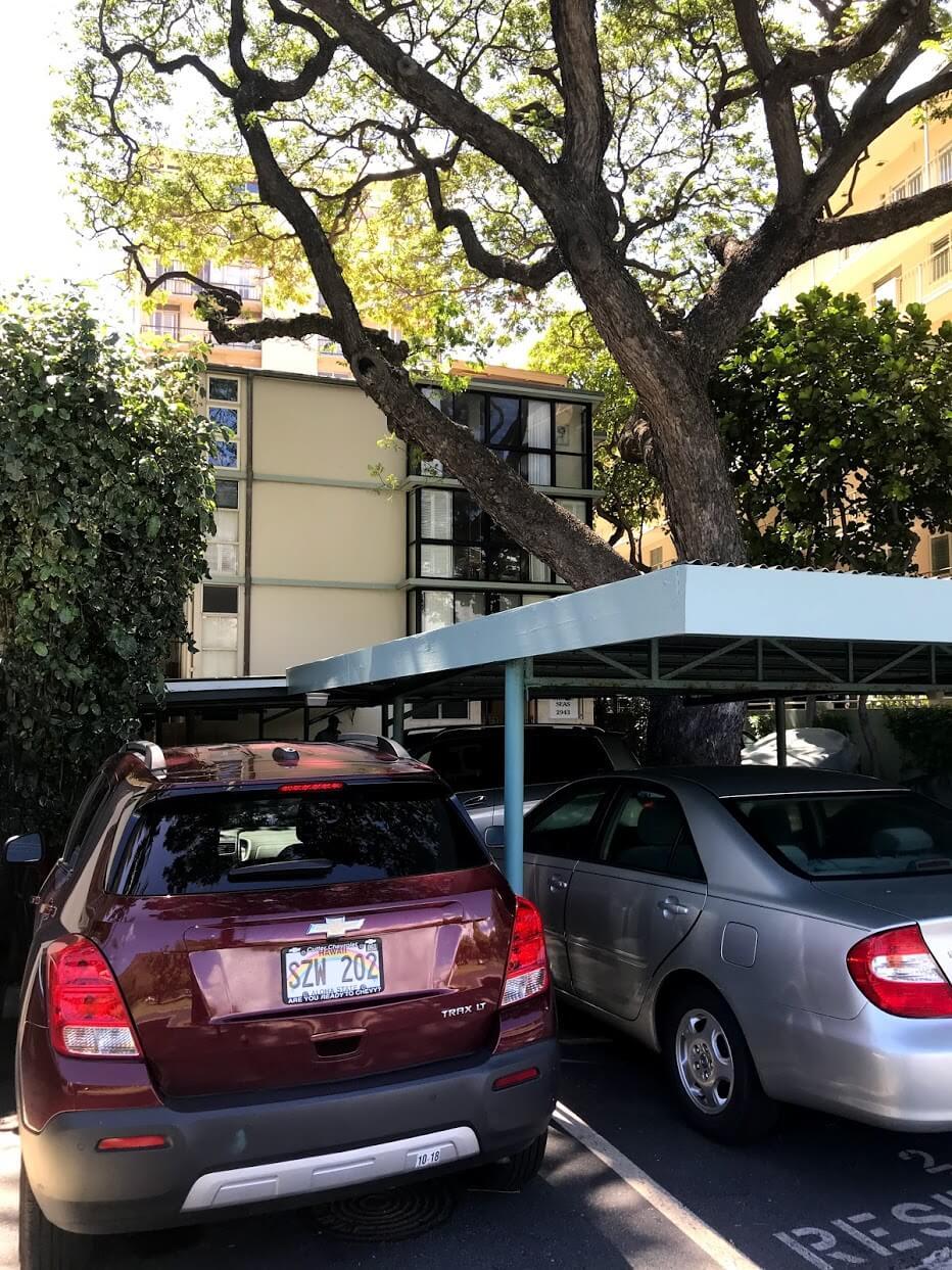 tropic-Seas-2943の駐車場